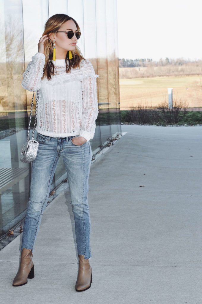 boyfriend jeans white top